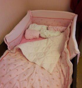 Бампер на кроватку+одеяло+матрасик для пеленания