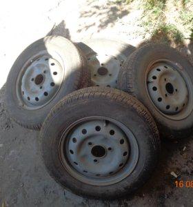 комплект летних шин на дисках