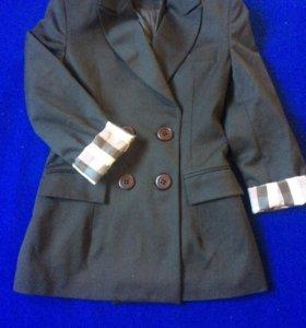 Приталенный пиджак р-р42-44