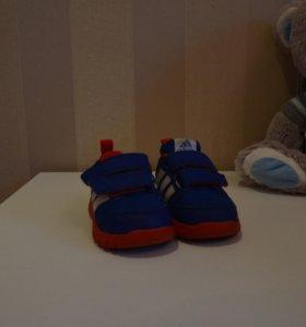 продам кроссовки на адидас орегенал