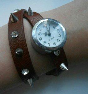 Часы с шипами