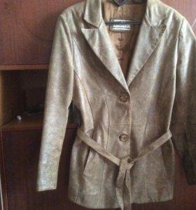 Куртка- пиджак женский из натуральной кожи р.46