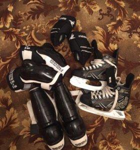 Хоккейная экипировка, коньки