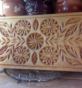 Деревянная хлебница
