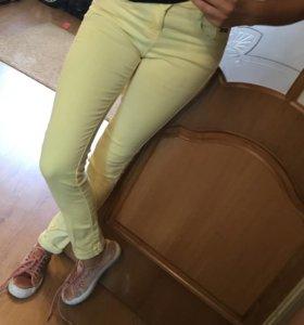 Джинсы брюки Berschka