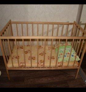 Детская кроватка как новая с матрасом