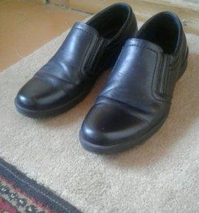 Туфли мужские кожанные 40 размер