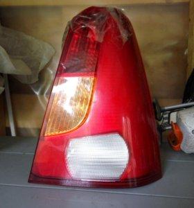 Задний правый фонарь Renault Logan