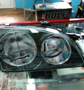 Avensis фара передняя правая.