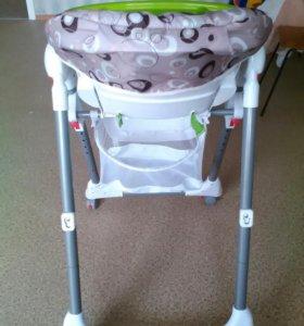 """Детский стульчик для кормления """"Selbi""""."""