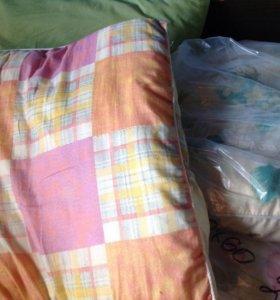 Подушки и одеяла б/у