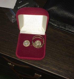 Продам комплект серьги и кольцо с бриллиантами