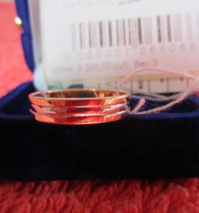 кольцо золотое 585 пробы новое