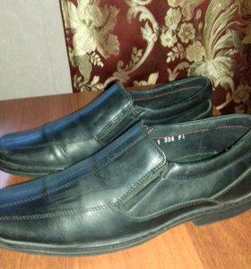 продаю ботинки 39размер