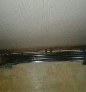 Гольф 5 Джетта Усилитель переднего бампера