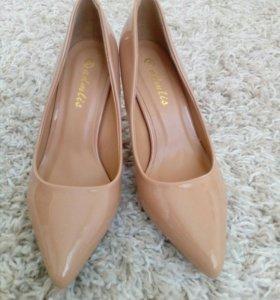 Продаю туфли (новые)