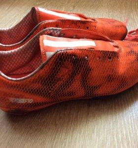 Бутсы футбольные Adidas с шипами (для стадиона)