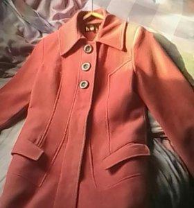 Срочно продаю пальто