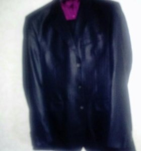 Мужской костюм 48-50,телефон 765935