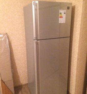 Холодильник sharp новый