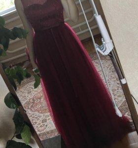 Вечернее бордовое платье