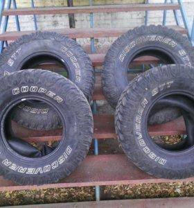 Резина УАЗ R- 35: 285x75, внутренний радиус 16