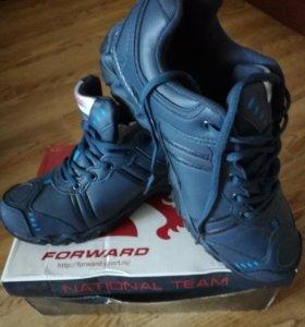 Новые кроссовки Forward
