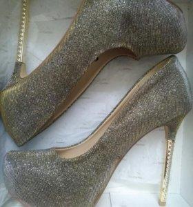Новые туфли 38размер
