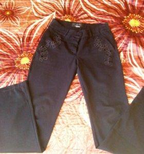 брюки 40-42 рр