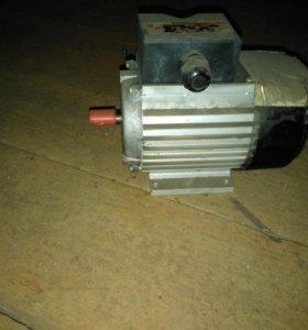 Электро двигатель асинхронный 0.25kw,380 v