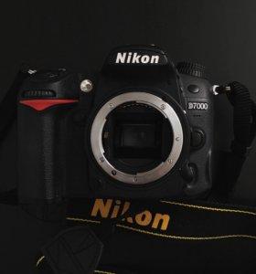 Полупрофессиональный фотоаппарат Nikon