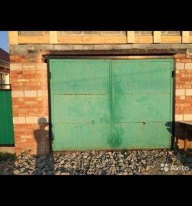 Ворота и дверь железная для гаража, набор б/у