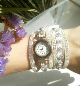 Стильные новые часы - браслет!