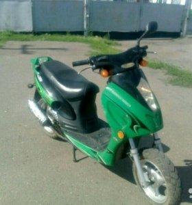Продаю скутер Raser RC50QT-6S