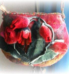 Женская сумочка валяная Тюльпаны
