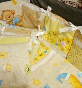 Комплект с бортиками в детскую кроватку