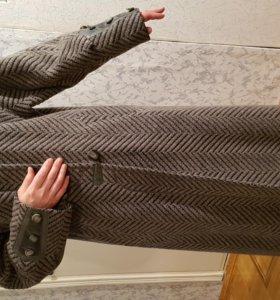 Пальто зимнее, 100% шерсть, с меховым воротником