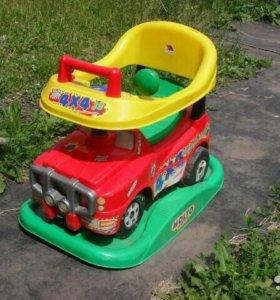 Многофункциональная машинка-каталка для детей