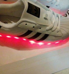 Кроссовки светящиеся superstar