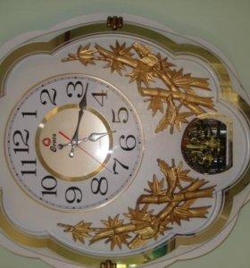 часы настенные производства Корея