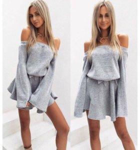 Платье серое вязаное