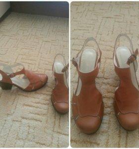 Новые сандалии 39р