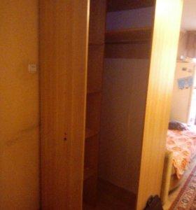 Шкаф угловой (как новый)