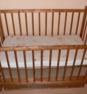 Кроватка маятник детская с матрасиком