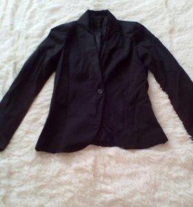 Фирменный пиджак stradivarius