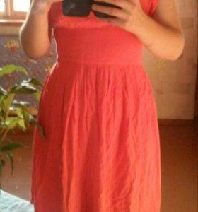 Легкое яркое розовое платье