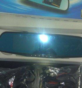 Зеркало со встроенным видеорегистратором и камерой