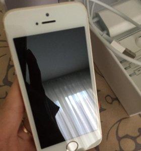iPhone 5s 32Гб Gold полный комплект