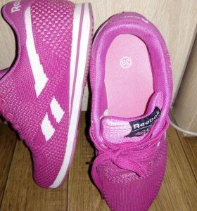 Новые кроссовки р 39