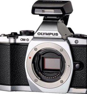Olympus E-M5 body ( новый)